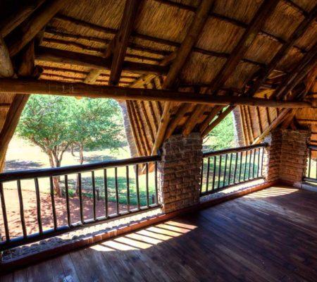 Roan-Lodge01